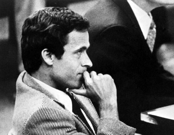 Ted Bundy In Court 600x466, Fatos Desconhecidos