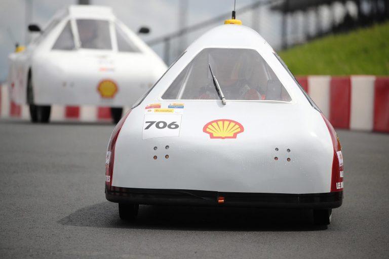 Jovens brasileiros criam carro que anda 543 km com 1 litro de gasolina