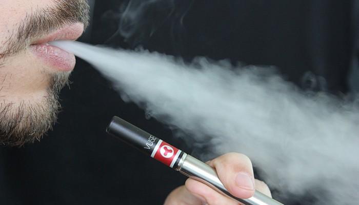 Cigarros eletrônicos podem prejudicar células-tronco neurais