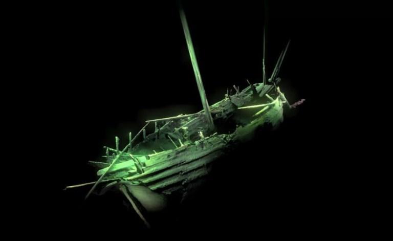 Navio da época de Cristóvão Colombo é encontrado praticamente intacto