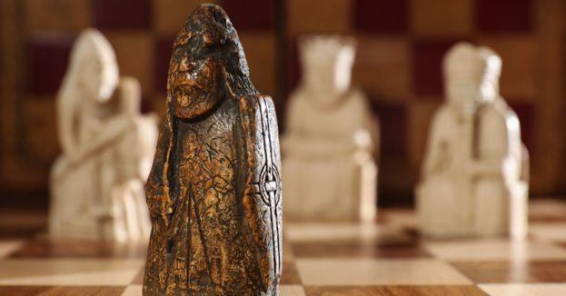 Essa peça de xadrez foi comprada por 5 dólares e ninguém sabia que ela valia mais de 800 mil