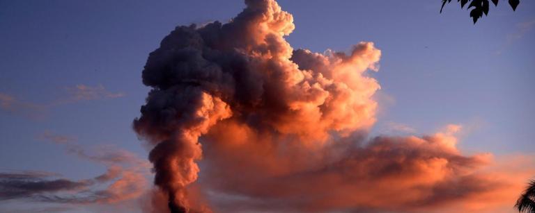 A erupção de um único vulcão poderia destruir toda a vida na Terra?