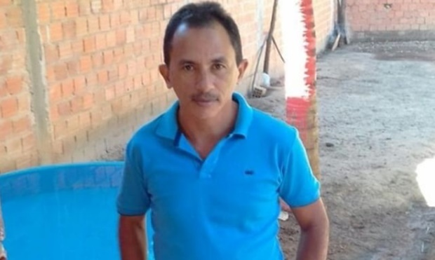 Conheça o homem por trás do viral Caneta Azul