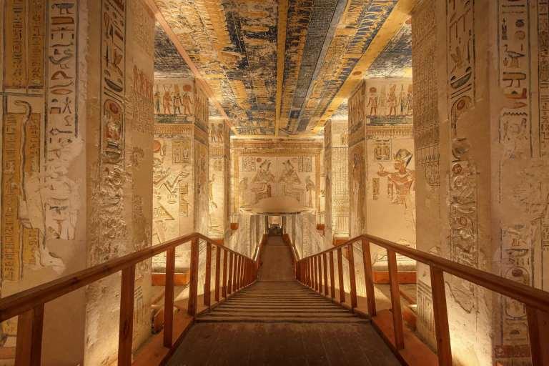 Entenda porque os egípcios construíam portas falsas nas pirâmides