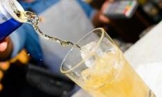 Entenda os riscos de tomar álcool com energético e fique atento