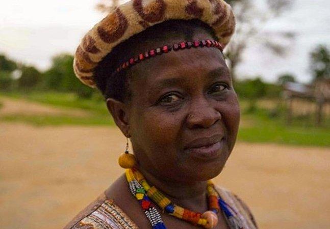Conheça a líder feminina que anulou 850 casamentos infantis no Malawi e levou as meninas pra escola