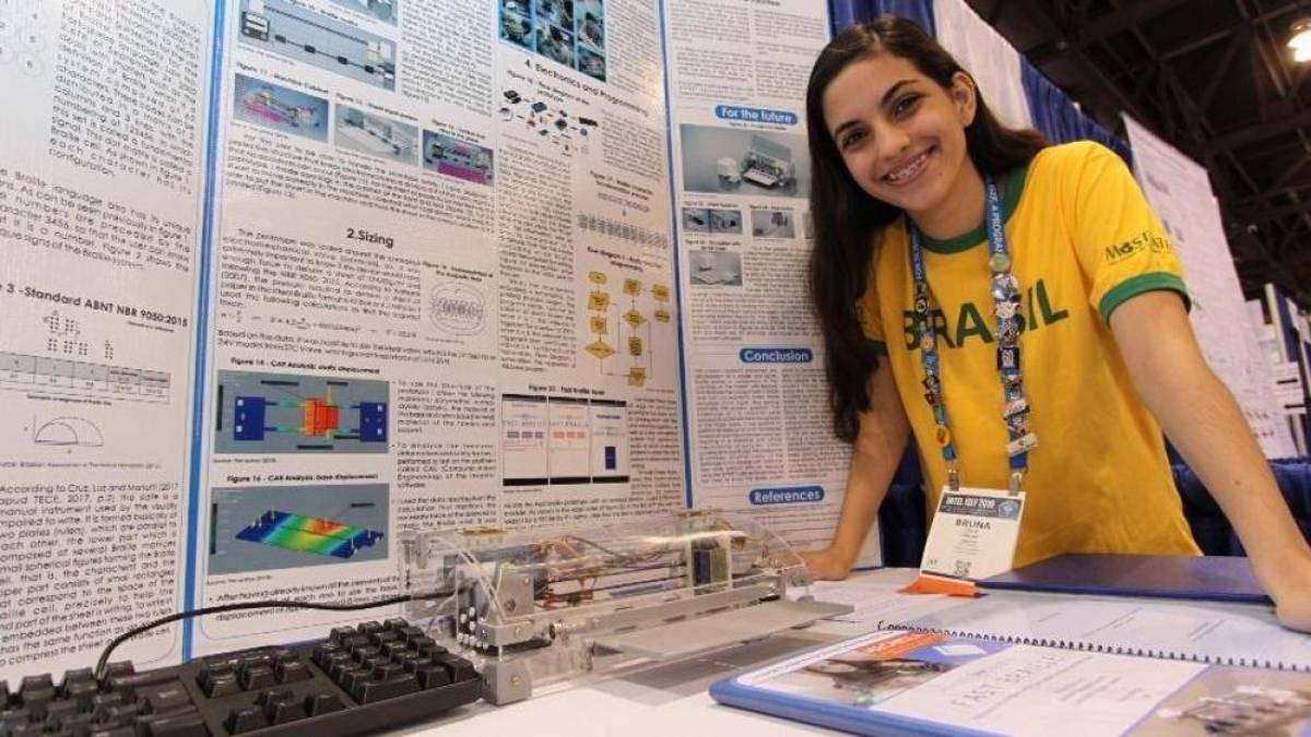 Essa brasileira de 19 anos criou uma impressora em Braille para texto e voz