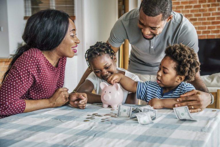 7 segredos simples para guardar dinheiro todos os dias