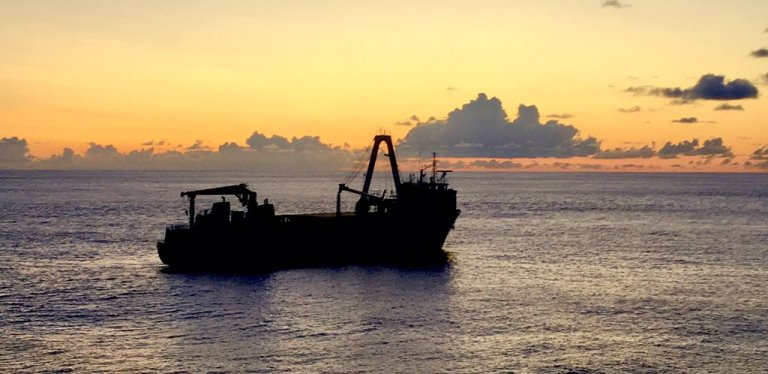 Conheça o mistério do navio 'fantasma' que apareceu na costa da Irlanda após uma tempestade