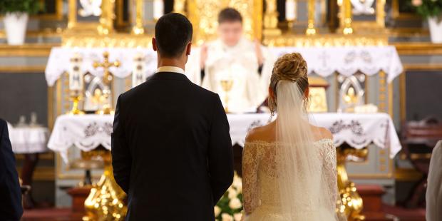 O que acontece quando alguém se opõe durante um casamento?