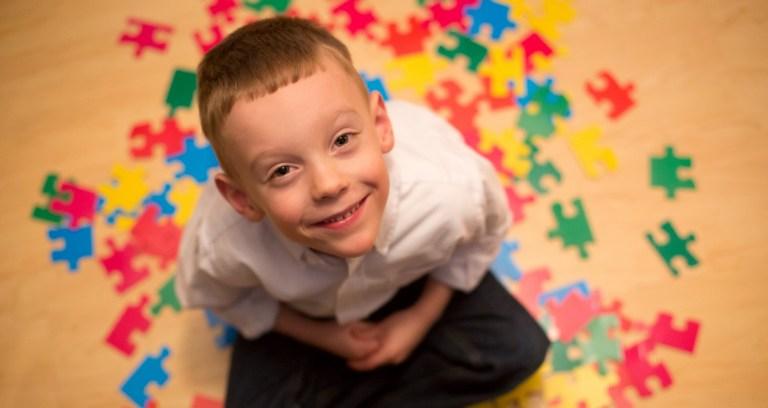 Entenda porque o autismo atinge mais os meninos