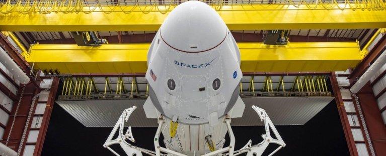 SpaceX fará lançamento histórico de dois astronautas no espaço