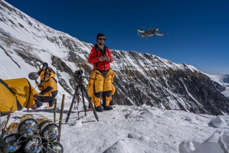 Veja drone da National Geographic voar a quase 9 quilômetros de altitude no Everest pela primeira vez