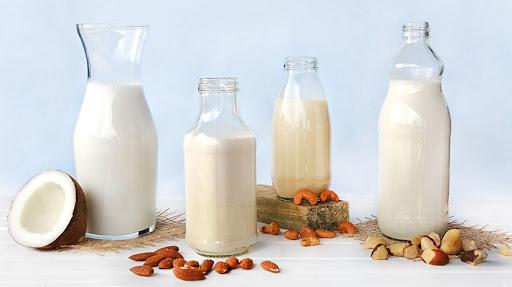 """Qual """"leite"""" é melhor para o meio ambiente? A resposta é surpreendente"""