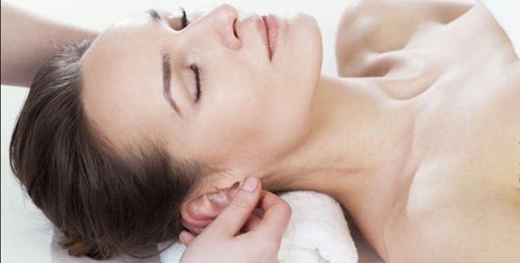 O que acontece se a gente fizer massagem nas orelhas todos os dias?