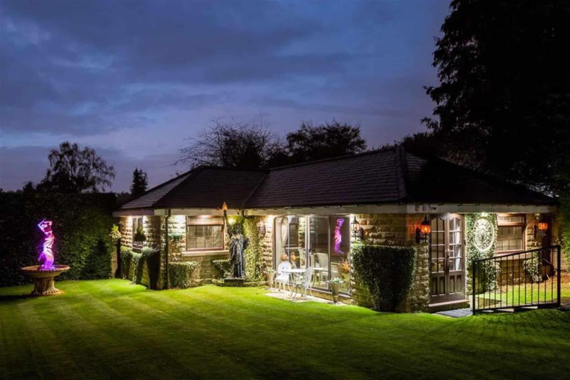 Casa decorada ao estilo O grande Gatsby está à venda nos EUA
