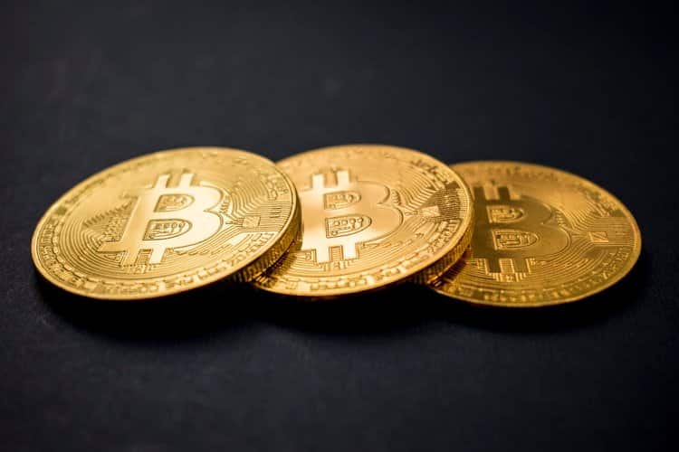 Programador que investiu em bitcoin esquece senha e congela US$ 220 milhões