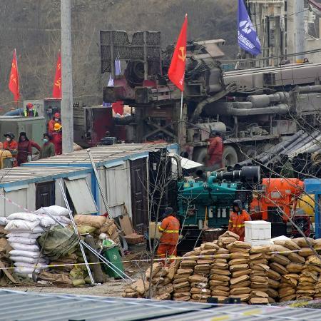 11 trabalhadores são resgatados em uma mina de ouro na China