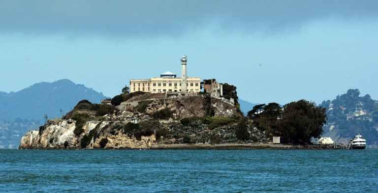 7 ilhas que já serviram de prisão