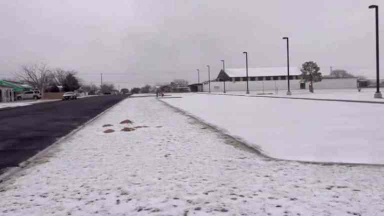 Por que o Texas, estado estadunidense de clima quente, sofre com frio ártico?