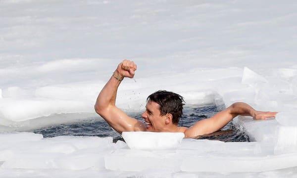 Nadador checo quebra recorde mundial de nado sob o gelo