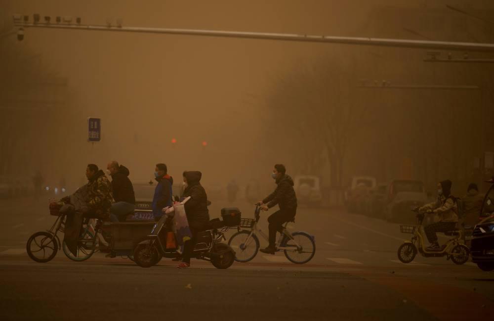 Pequim enfrenta a maior tempestade de areia da década