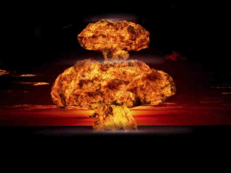 Relatório surpreendente descobre que 110 mil pessoas foram contaminadas por testes nucleares franceses