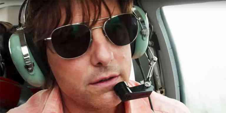 7 celebridades que sabem pilotar avião e você provavelmente não sabia