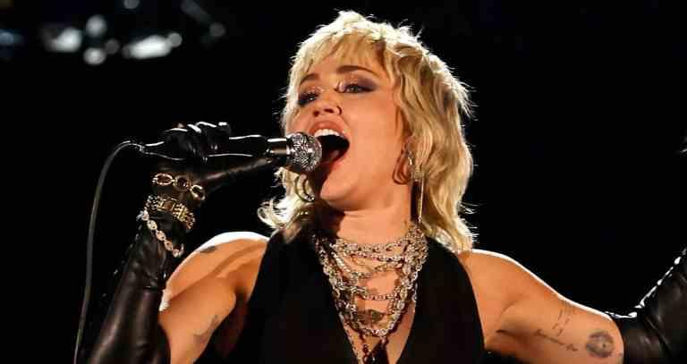 7 cantores que perderam a voz e deram uma pausa na carreira