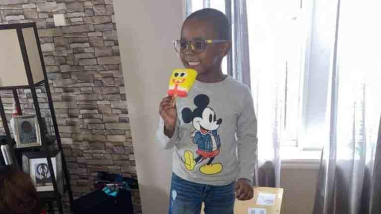 Menino de 4 anos compra 918 picolés do Bob Esponja sem avisar a mãe