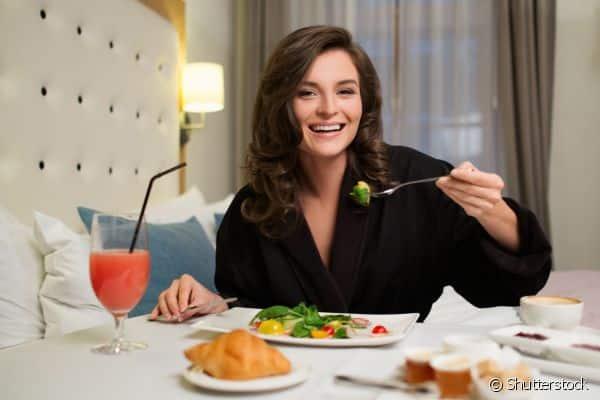 Quer perder peso? Então esses 7 alimentos são proibidos na hora do jantar