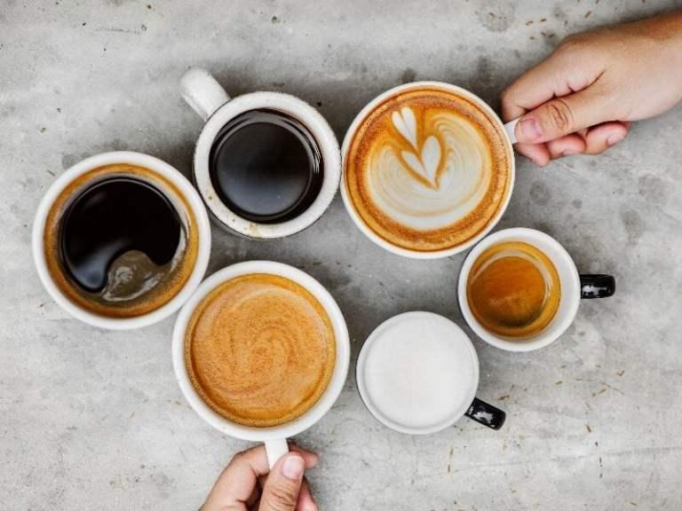 Você bebe 6 xícaras de café por dia? Isso pode ter um custo para seu cérebro