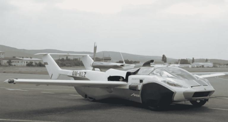 Carro voador faz voo de teste entre dois aeroportos