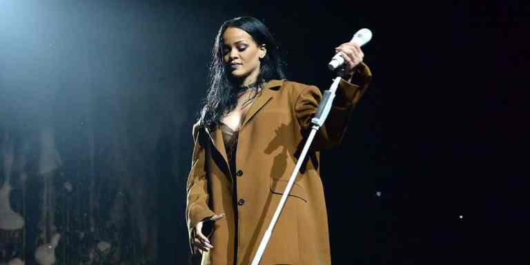 7 cantores que já choraram no palco