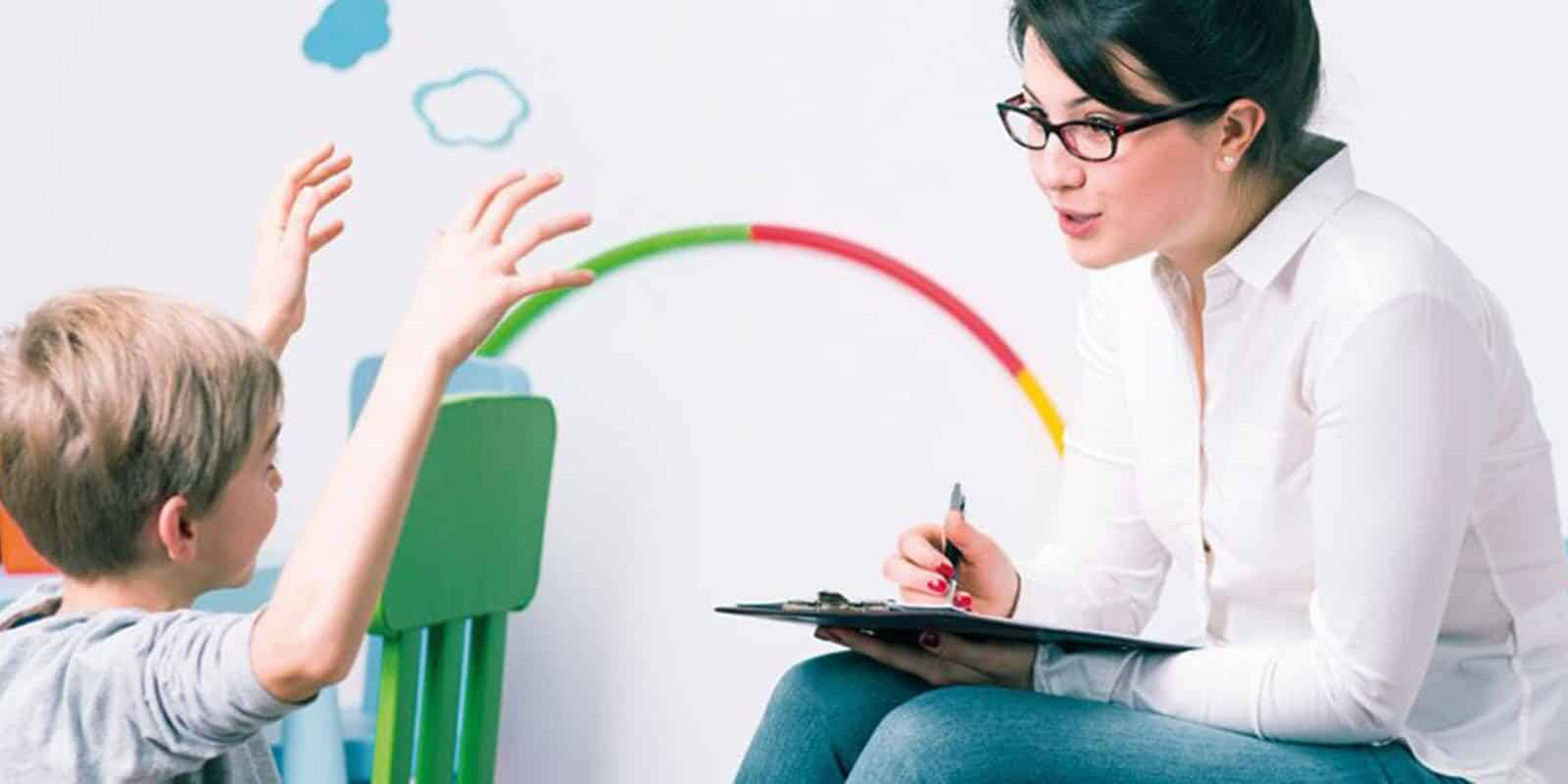 Como as crianças entendem a mente dos outros?