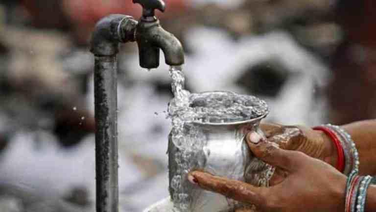 Mais de cinco milhões de pessoas podem lutar para te acesso à água até 2050, de acordo com a ONU