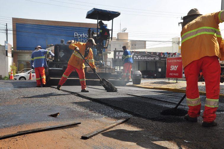Obras de recapeamento atingem 60% da avenida Campos Salles