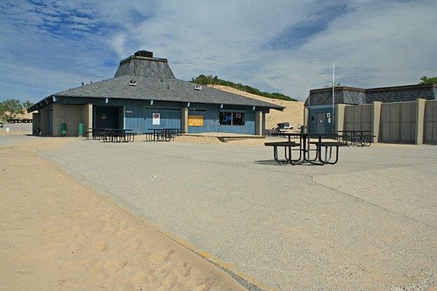 warren-dunes-beach-store