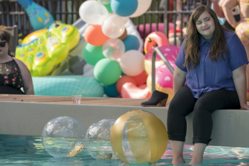 Photo of Aidy Bryant as Annie in 'Shrill'
