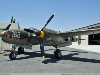 P 38 J IO-LO ( les différences ne sont pas flagrantes).