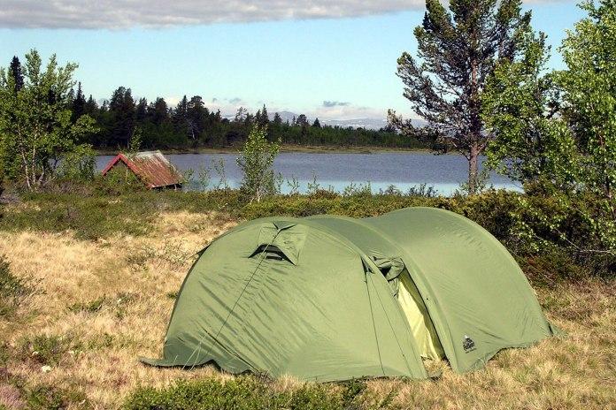 friluft telt vann hytte