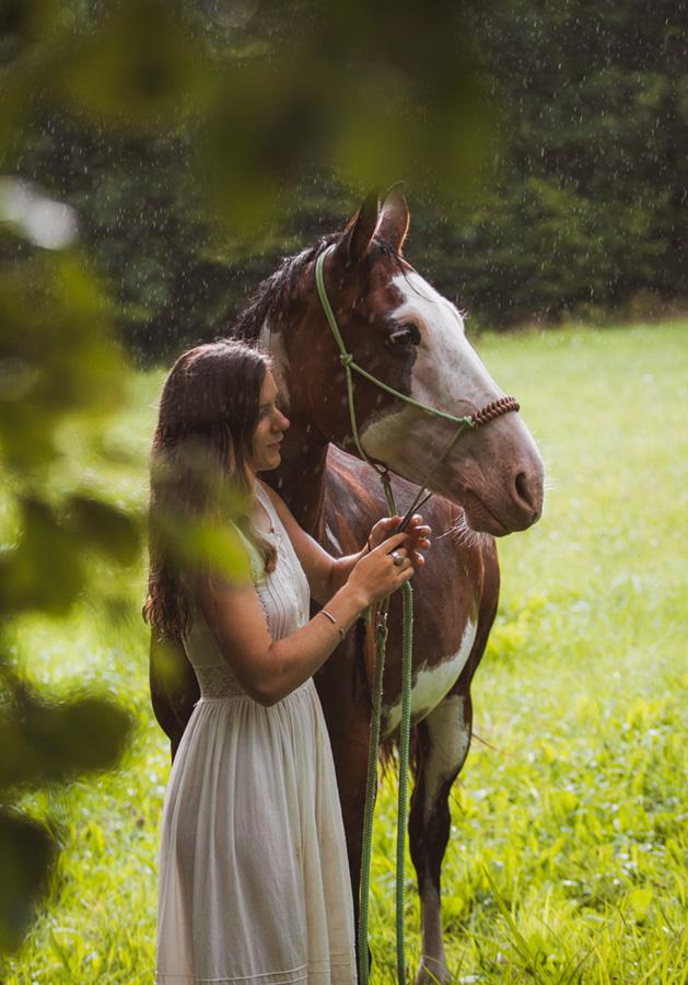 séance cheval et cavalier sous la pluie