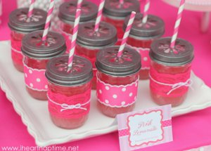 20 Crafts with Mason Jars:  Wedding Ideas, Centerpieces, Decor and More free eBook