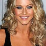 Shoulder Length Hairstyle For Womens