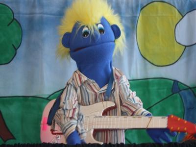 Slick Rick on guitar