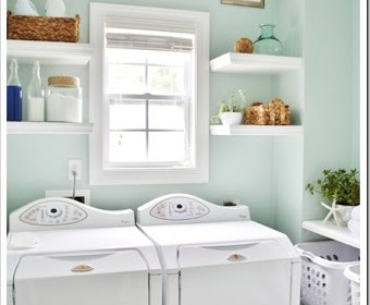 beach-laundry-room-makeover-533x800_.jpg