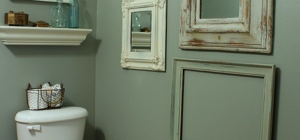 small-bathroom-makeover-blue-green-walls1.jpg
