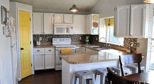 Gray-and-Yellow-Kitchen-Renovation_t.jpg