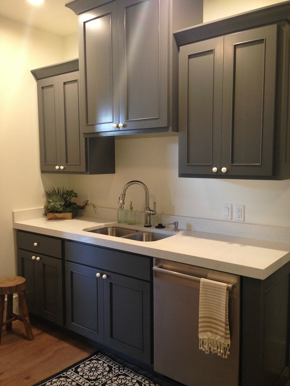 Home tour 2 and paint colors utah valley parade of homes for Benjamin moore paint for kitchen cabinets