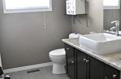bathroomthislittleestate28.jpg